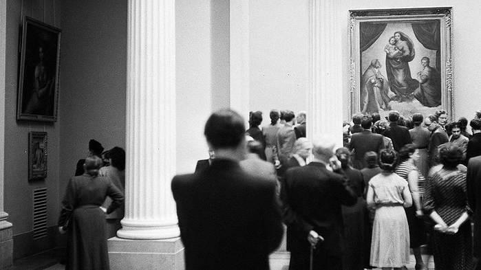 ФОТО Дрезденская КГ в Москве 1955 г Фото ЕвгенияУмнова (700x393, 34Kb)