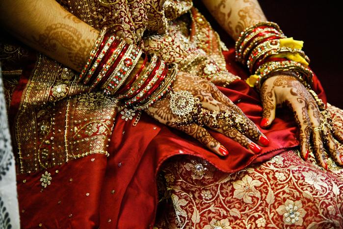 seaman_lauren_sasha_nadia_indian_wedding_4_12_toppickedits_-4 (700x466, 602Kb)