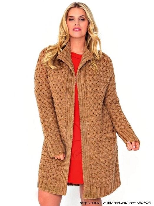 Кардиган спицами с плетёным узором — элегантно и комфортно