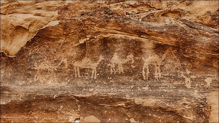 Петроглифы  в пустыне Вади Рам