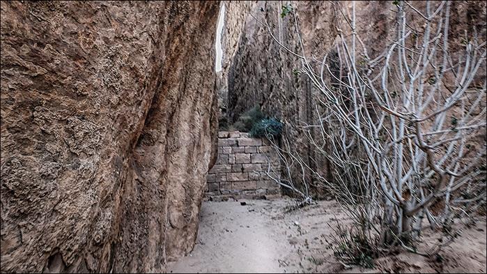 Резервуар для сбора воды римских времен в пустыне Вади Рам