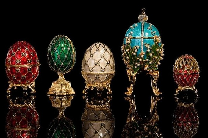 The-Iconic-Class-and-Elegance-of-the-Fabergé-Eggs-1 (700x466, 83Kb)