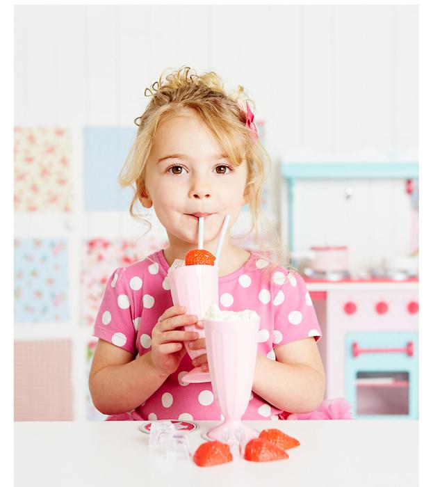 слабого картинки люди пьют молочные коктейли том