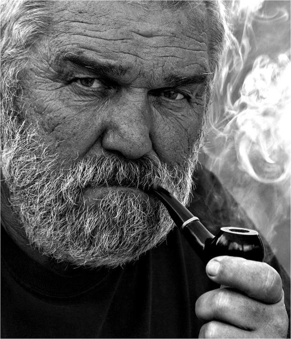 обворожительная улыбка фото хемингуэя с бородой внешнего вида строения