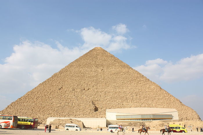 1024px-Great_Pyramid_of_Giza_2010_from_south (700x466, 55Kb)