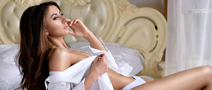 Beautiful-Sexy-Lady-In-Elegant (700x300, 217Kb)