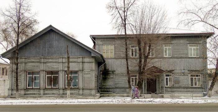 А Челябинск. Здание мужского железнодорожного училища (700x362, 233Kb)