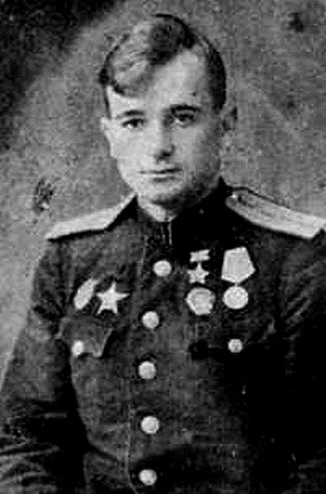 Леонид шугаев герой советского союза летчик фото