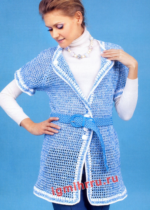 Филейный голубой жакет с короткими рукавами. Вязание спицами
