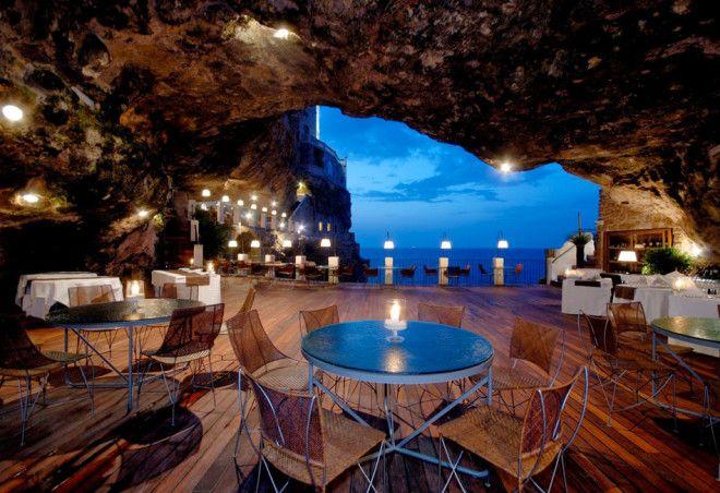 5685413_Restoran_The_Grotta_Palazzese_vnytri_pesheri_Italiya (660x452, 70Kb)