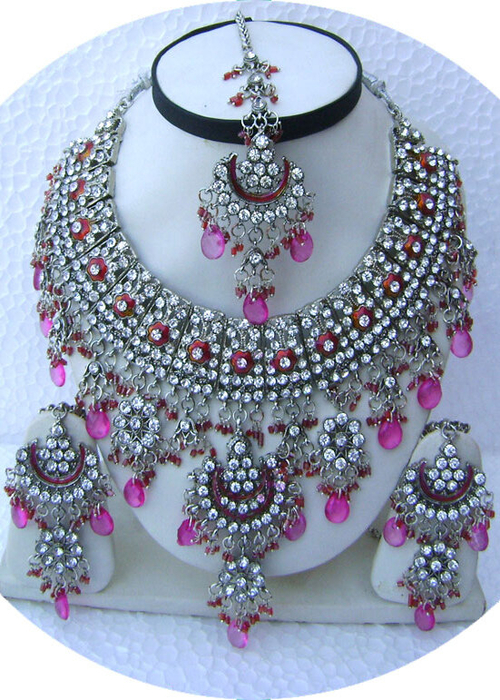 Pink-Half-Moon-Pendant-Silver-Base-Necklace-Set-with-Tika[1] (500x700, 472Kb)