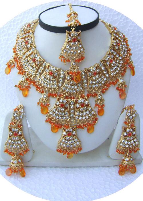 Orange-Jhoomar-Style-Golden-Base-Necklace-Set-with-Tika[1] (500x700, 468Kb)