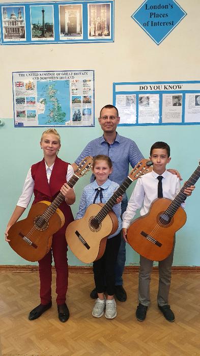 Денис Олегович Крамской со своими учениками