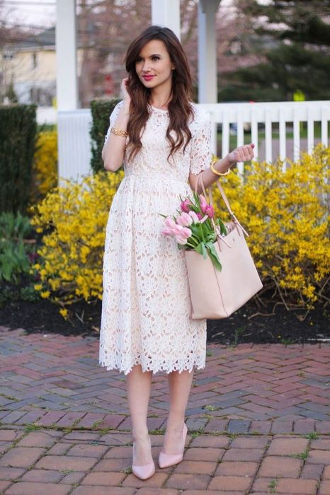 sunflower-dress-brunette-woman-wearing-white-lace-dress-pink-heels-leather-bag-with-tulips-bouquet-inside-1 (466x700, 67Kb)