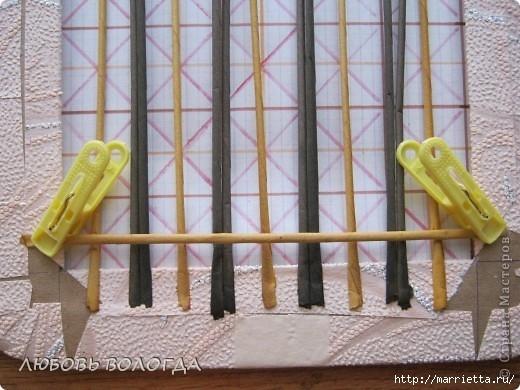Плетение из газет. Мастер-класс на крышку с цветным узором из трубочек (8) (520x390, 149Kb)