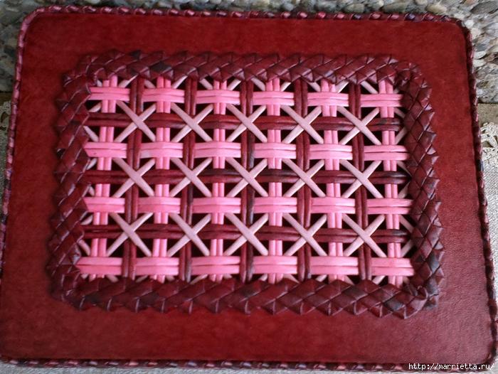 Плетение из газет. Мастер-класс на крышку с цветным узором из трубочек (24) (700x526, 348Kb)