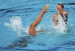 Сара Кравинска и Вероника Сековска (Sara Krawczinska and Weronika Sekowska) из Польши. Выступление пар на чемпионате Европы по синхронному плаванию в Будапеште, 5 августа 2010 года.