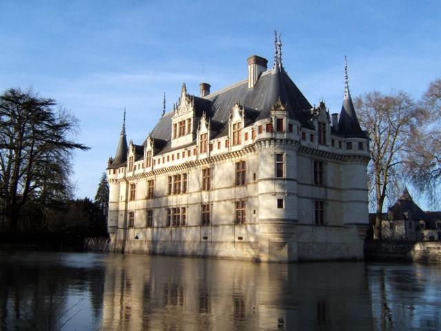 Замок Азе-лё-Ридо в долине Луары