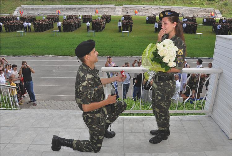 Цветы, признание в любви в открытках армия