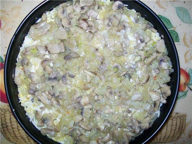 4 слой - жареные грибы с луком.
