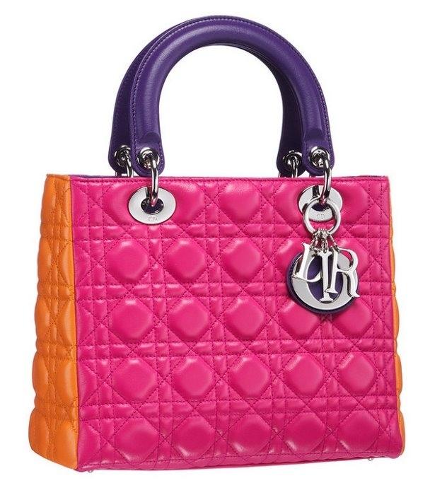 Новая коллекция модных сумок от Christian Dior получилась яркая и...