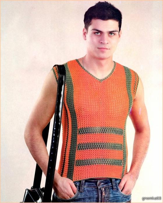 Вязание мужского свитера из трех цветов.