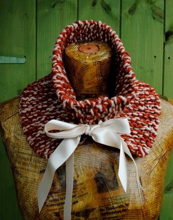- Пледы и одеяльца для малышей.  - Детские шарфики, манишки.