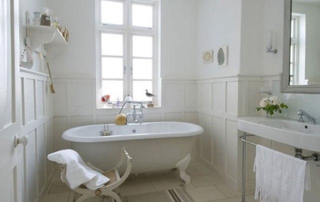 варианты декупажа стены в ванной.