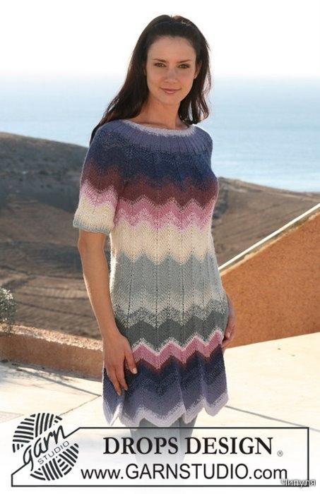 Вязаное платье на спицах. бесплатные схемы вязания.